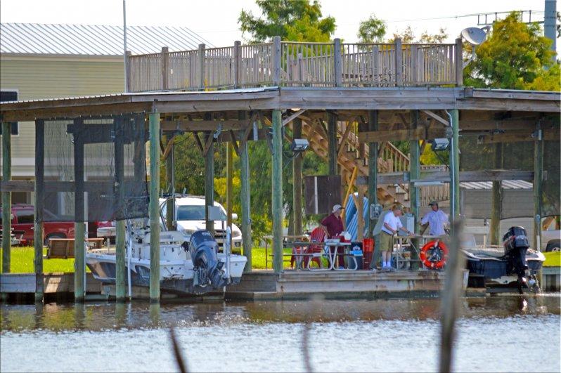 Louisiana cabin rentals cabin rentals louisiana cabin for Fishing cabins in louisiana