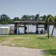 Vacation-Rentals-New-Orleans-Fishing-Camps-in-New-Orleans-Hunting-Lodge-New-Orleans-Three-Palms-Lodge-New-Orleans-Louisiana(7)