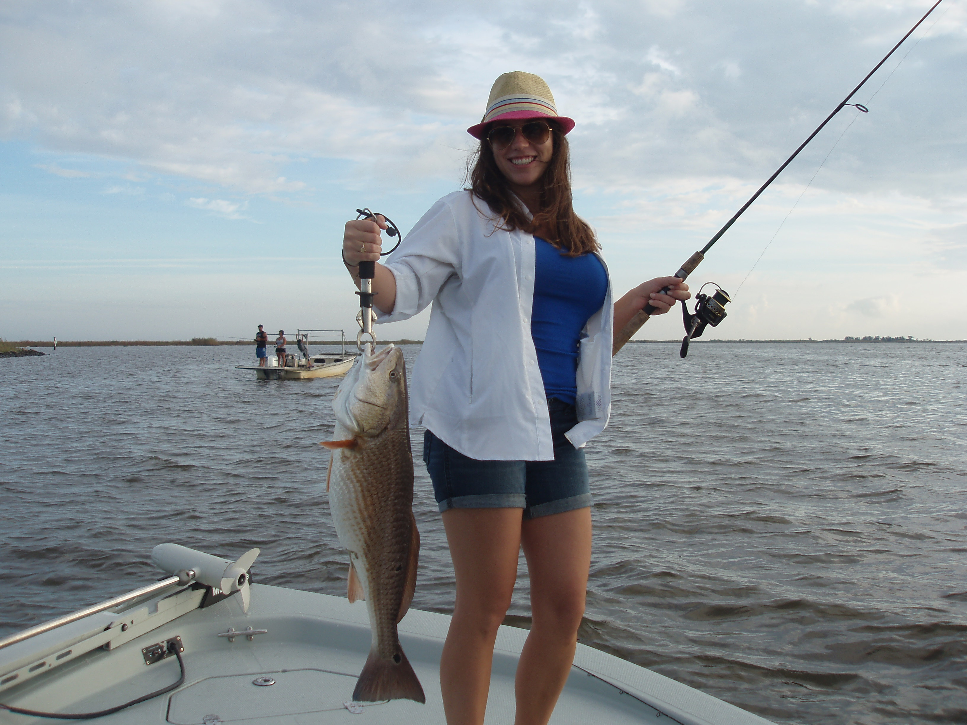 New orleans red fish stacked up louisiana cabin for Fishing camps for rent in louisiana